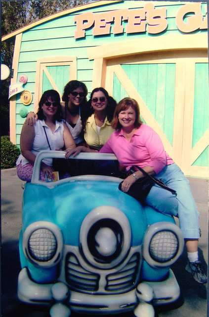 disney-sisters-and-mama