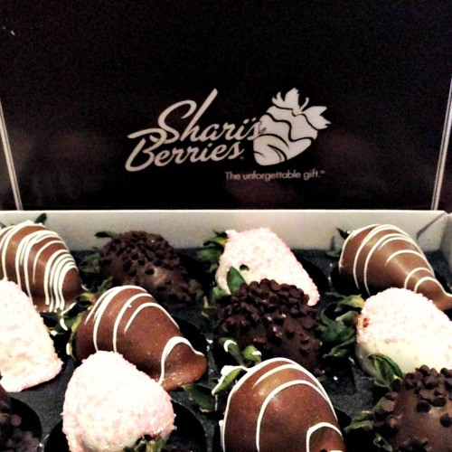 sharisberries close
