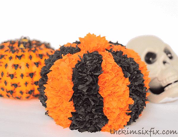 crepe-paper-halloween-pumpkin