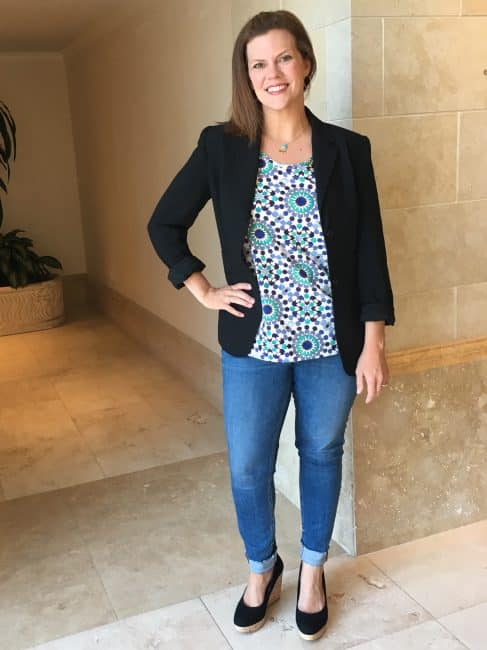 Mom 2.0 conference style - Andrea Updyke in blazer and jeans at conference
