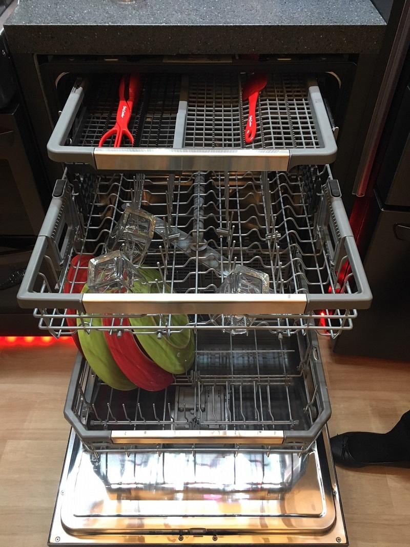 LG Dishwasher Open