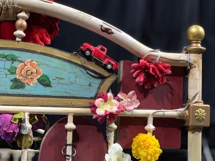 Corteo bed details