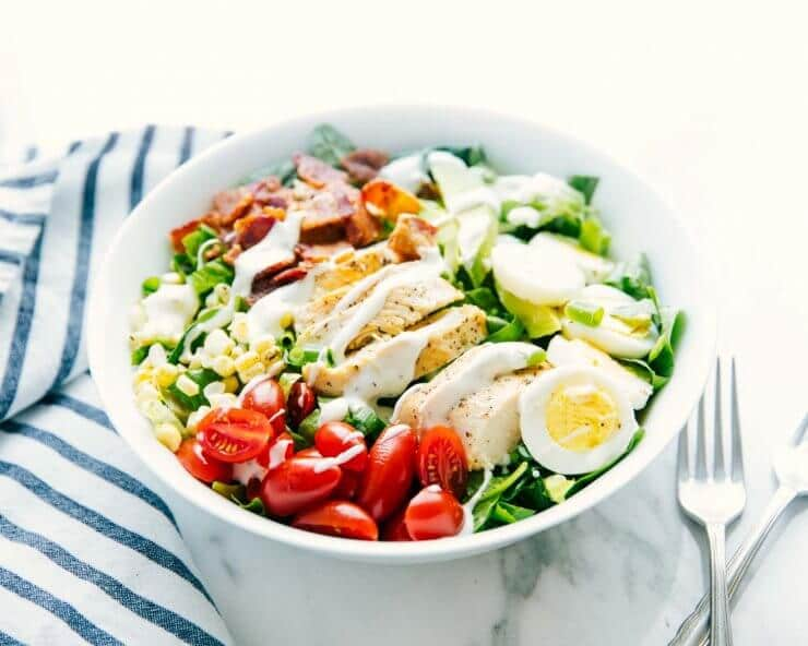 cobb-salad in bowl