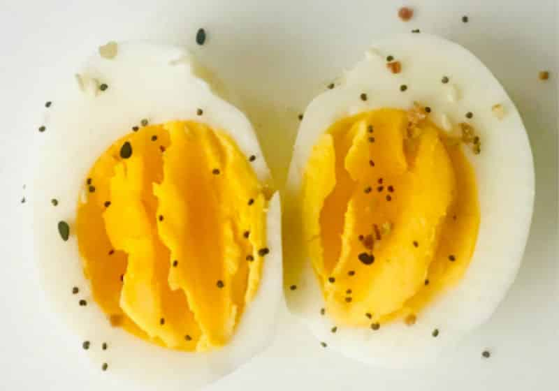 hard-boiled-eggs-featured