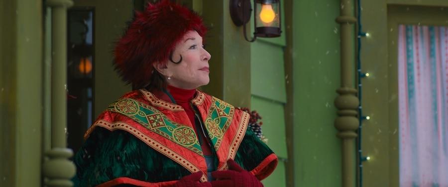 Noelle - Shirley MacLaine