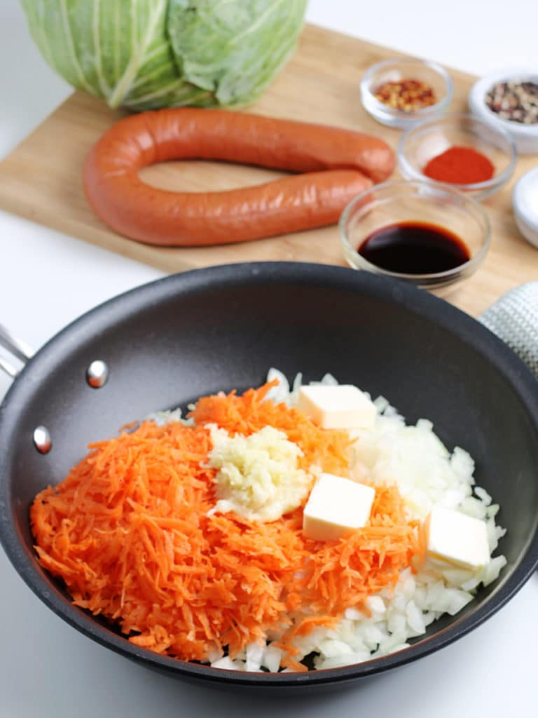 carrots and onion with butter