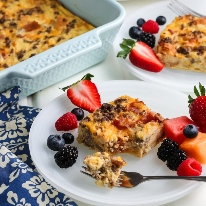 Breakfast Casserole with Bacon & Sausage