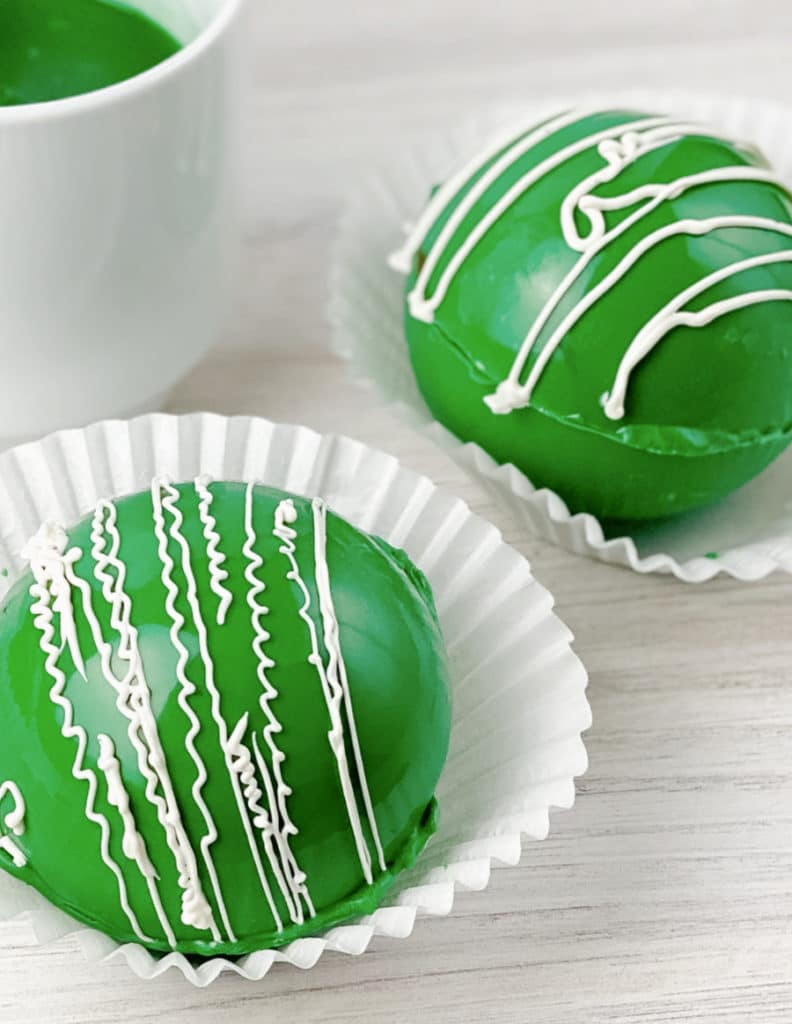 Green Hot Cocoa Bombs (1)