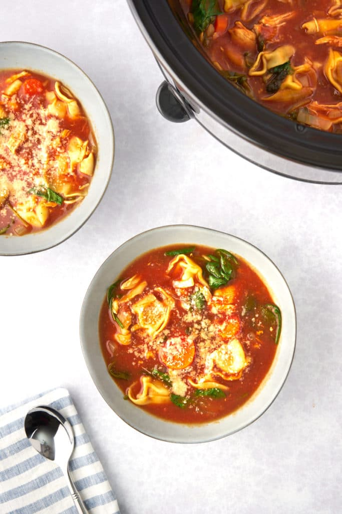 slow cooker tomato tortellini soup with chicken