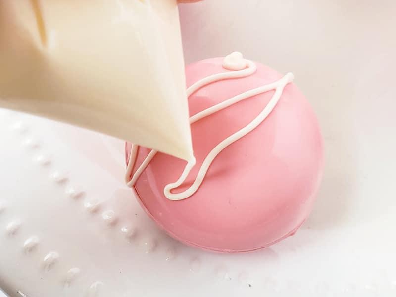 icing on strawberry milk bomb