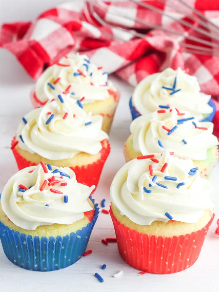 july 4th cupcakes frosted with sprinkles