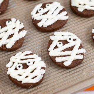 Easy Chocolate Mummy Cookies