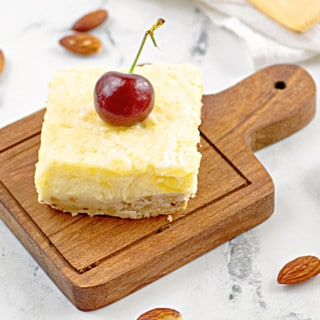 Easy Pineapple Cheesecake Bars